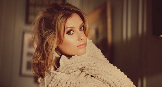Ella-henderson-glow-video-ghost-x-factor-2014