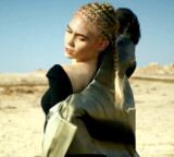 Video Premiere: Grimes – Go Ft. Blood Diamonds