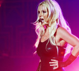 Britney Down, Spears Takes An Onstage Tumble!